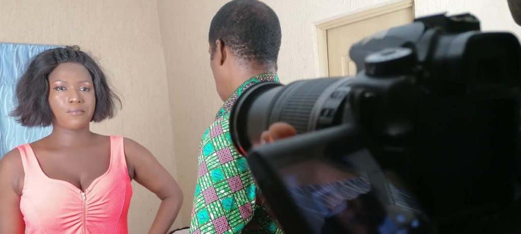 FESTADO TV PRODUCTION Serie togolaise olevia Teko en compagnie de sa femme de chambre Sitsofe