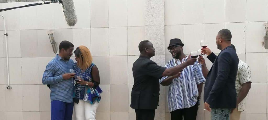 FESTADO TV PRODUCTION Serie togolaise olevia Teko paradiso commandant ministre docteur au bord de la piscine